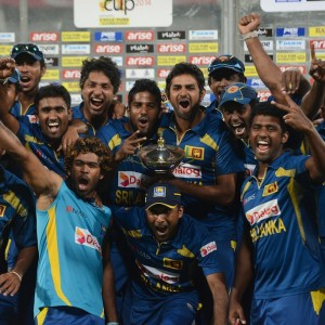 Sri Lanka Cricket Team celebrating The Victory : Asia Cup 2014