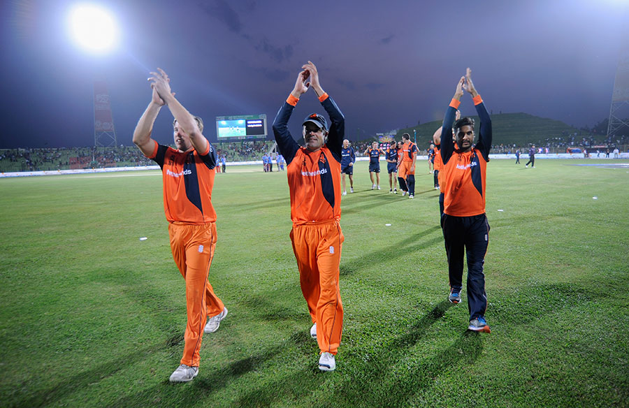 Netherlands Player Acknowledge The Crowd After There Six Wicket Win
